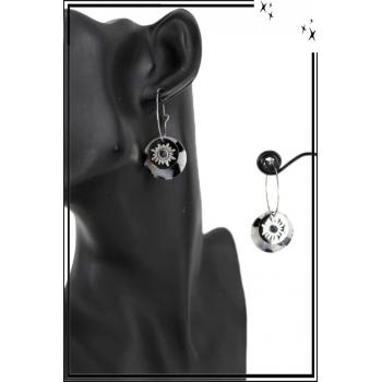 Boucle d'oreille en résine - Soleil et perle - Blanc et noir